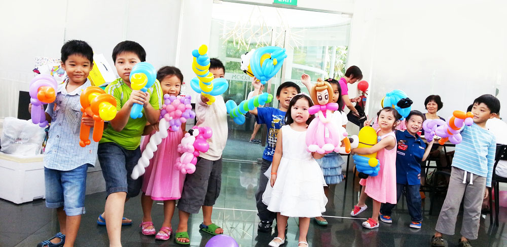 Professional balloon sculpting for children party and more