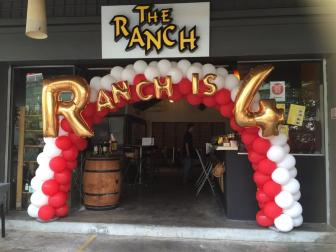 the-ranch-singapore-balloon-arch